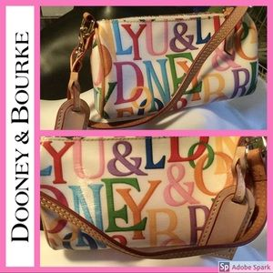 💖 Dooney & Bourke 💖 Small Barrel Bag Monogram